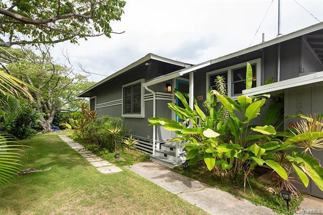 Photo of home for sale at 280 Kainalu Drive N, Kailua HI