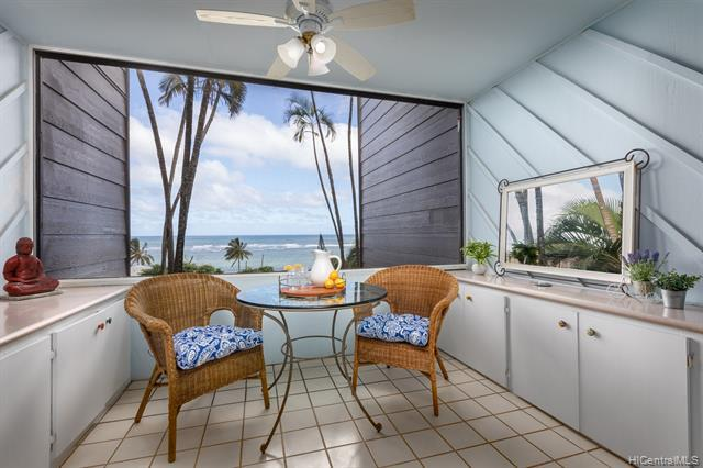 Photo of home for sale at 51-636 Kamehameha Highway, Kaaawa HI
