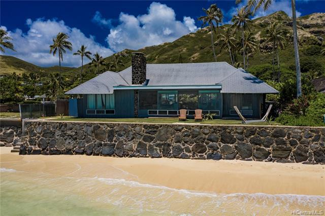 Photo of home for sale at 1310 Mokulua Drive, Kailua HI