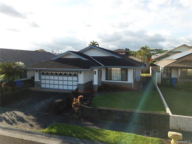 Photo of home for sale at 95-1078 Hookupu Street, Mililani HI