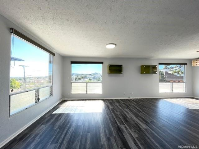 Photo of home for sale at 1379A 13th Avenue, Honolulu HI