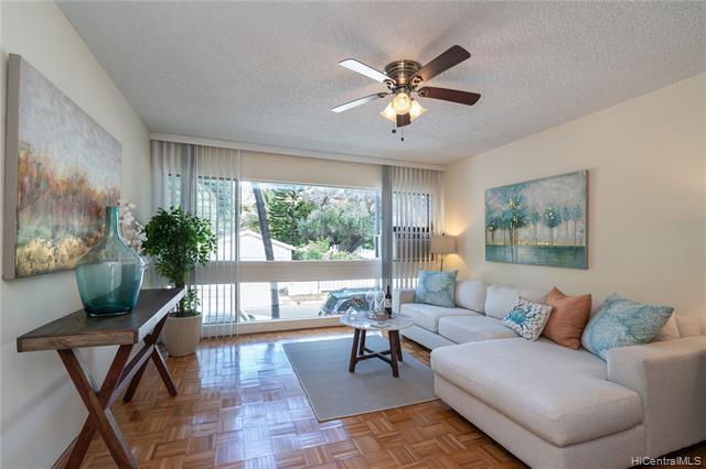 Photo of home for sale at 3721 Kanaina Avenue, Honolulu HI