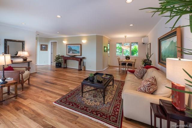 Photo of home for sale at 2330 Kaola Way, Honolulu HI