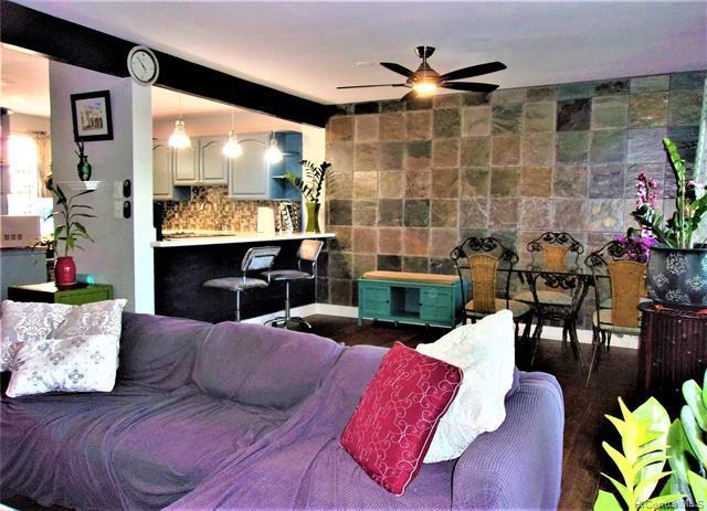 Photo of home for sale at 92-1002 Makakilo Drive, Kapolei HI