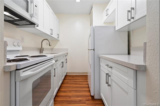Photo of home for sale at 1013 Prospect Street, Honolulu HI