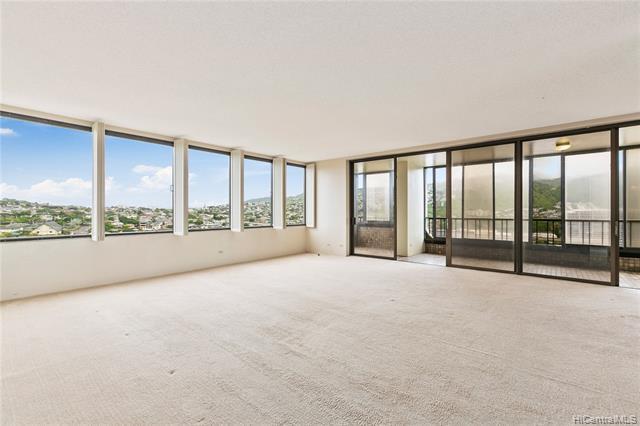 Photo of home for sale at 4340 Pahoa Avenue, Honolulu HI
