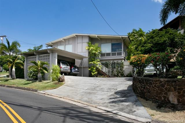 Photo of home for sale at 1399 St Louis Drive, Honolulu HI