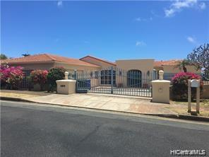 Photo of home for sale at 433 Maono Loop, Honolulu HI