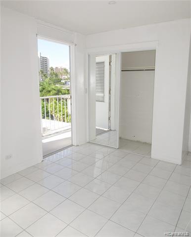 Photo of home for sale at 1127 Davenport Street, Honolulu HI