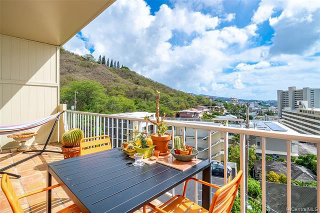 Photo of home for sale at 670 Prospect Street, Honolulu HI