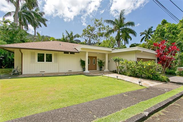 Photo of home for sale at 3043 Lopeka Place, Honolulu HI