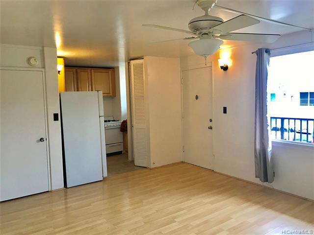 Photo of home for sale at 95-023 Waihau Street, Mililani HI