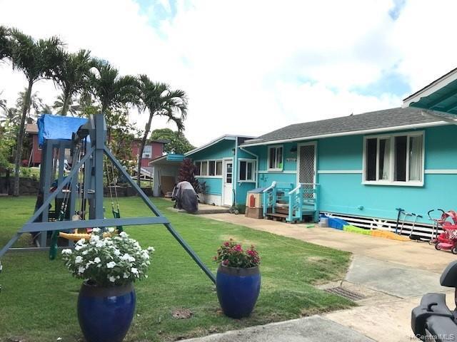 Photo of home for sale at 51-432 Lihimauna Road, Kaaawa HI