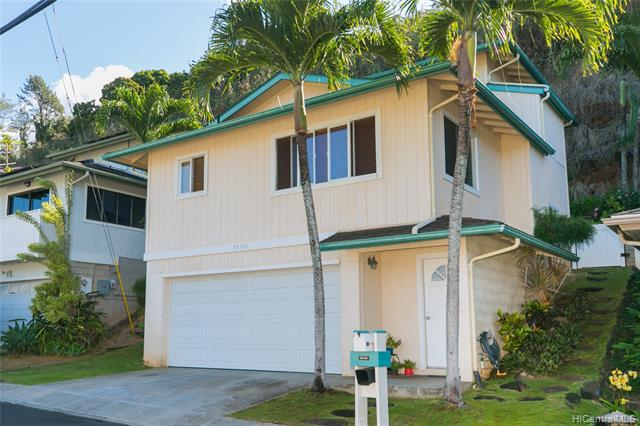 Photo of home for sale at 99-745 Meaala Street, Aiea HI