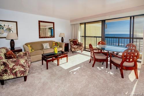 Photo of home for sale at 2470 Kalakaua Avenue, Honolulu HI