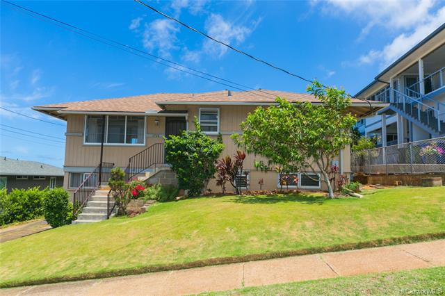 Photo of home for sale at 1736 Wilhelmina Rise, Honolulu HI