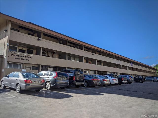 Photo of home for sale at 98-080 Uao Place, Aiea HI