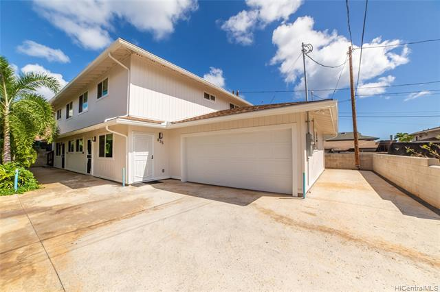 Photo of home for sale at 835 10th Avenue, Honolulu HI
