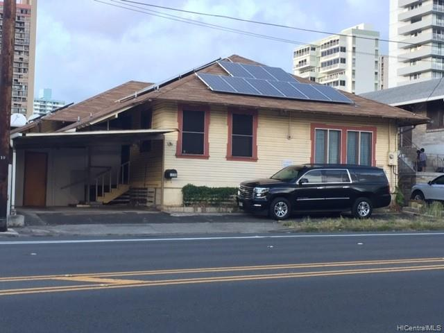 Photo of home for sale at 1520 Keeaumoku Street, Honolulu HI