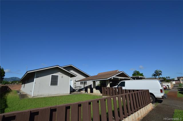 Photo of home for sale at 95-300 Kaaona Place, Mililani HI