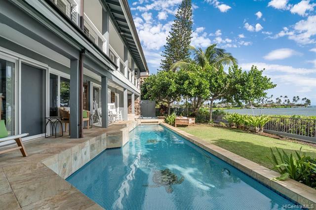 Photo of home for sale at 5005 Kalanianaole Highway, Honolulu HI