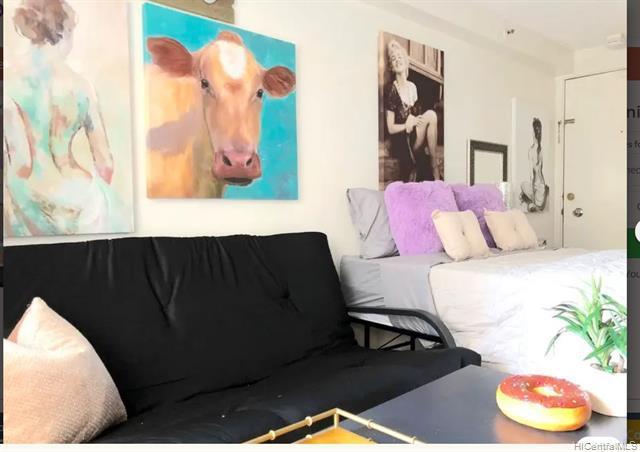 Photo of home for sale at 2463 Kuhio Avenue, Honolulu HI