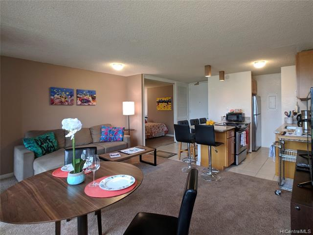 Photo of home for sale at 320 Liliuokalani Avenue, Honolulu HI