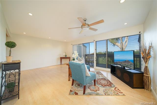 Photo of home for sale at 92-964 Makakilo Drive, Honolulu HI