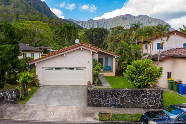 Photo of home for sale at 45-795 Pookela Street, Kaneohe HI