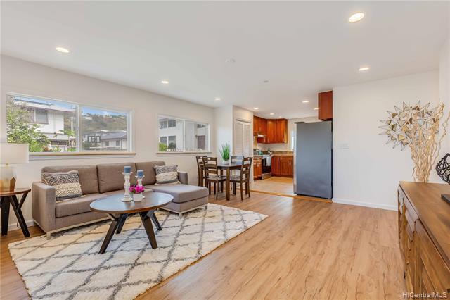 Photo of home for sale at 2289 Liliha Street, Honolulu HI