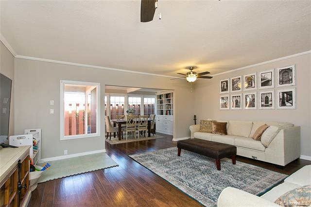 Photo of home for sale at 318 Opihikao Place, Honolulu HI