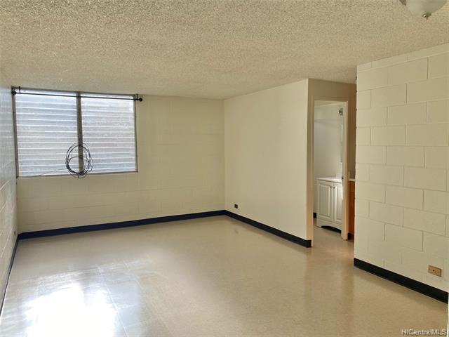 Photo of home for sale at 94-333 Pupuole Street, Waipahu HI