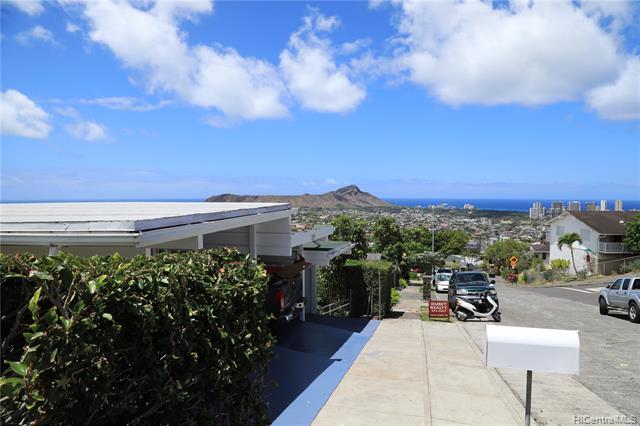 Photo of home for sale at 1539 Kaminaka Drive, Honolulu HI
