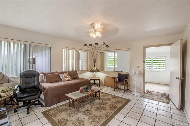 Photo of home for sale at 87-1018 Hakimo Road, Waianae HI