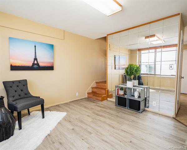 Photo of home for sale at 936 Lehua Avenue, Pearl City HI