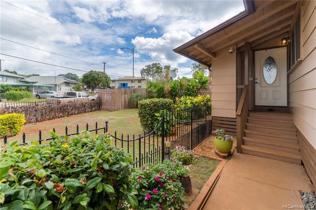 Photo of home for sale at 3619 Alohea Avenue, Honolulu HI