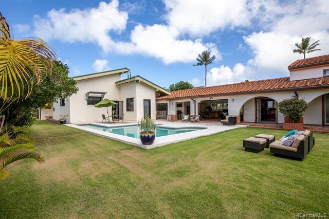 Photo of home for sale at 381 Auwinala Road, Kailua HI
