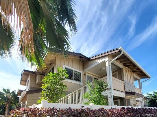 Photo of home for sale at 91-1041 Kamaaha Avenue, Kapolei HI