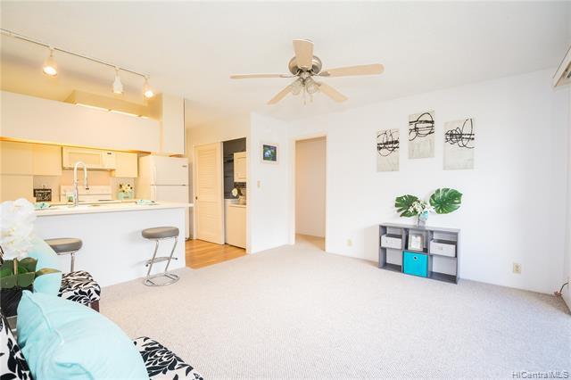 Photo of home for sale at 94-1004 Kaukahi Place, Waipahu HI