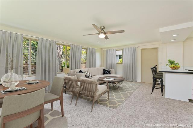 Photo of home for sale at 451039 Wailele Road, Kaneohe HI
