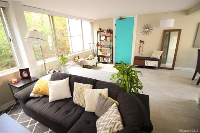 Photo of home for sale at 3033 Ala Ilima Street, Honolulu HI