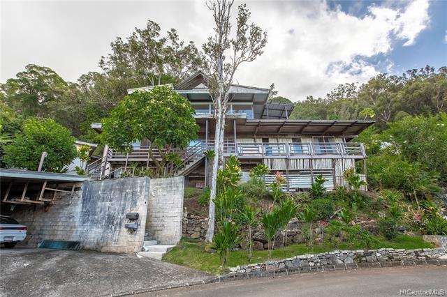 Photo of home for sale at 3381 Kamaaina Place, Honolulu HI