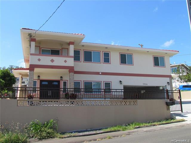 Photo of home for sale at 1936 Houghtailing Street, Honolulu HI