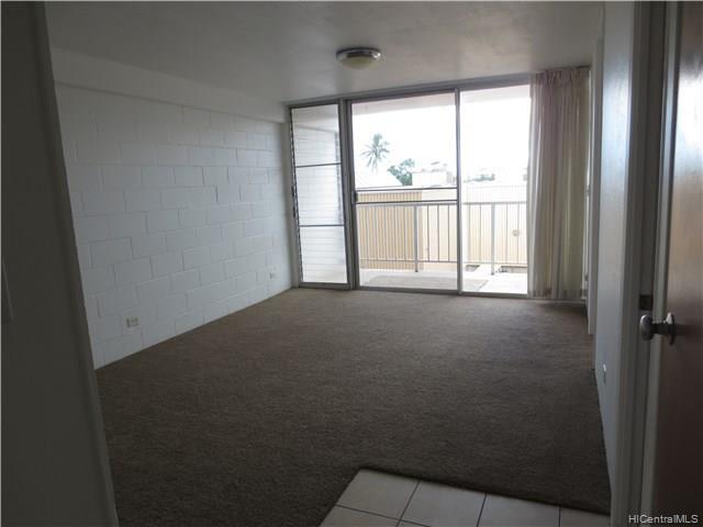 Photo of home for sale at 99060 Kauhale Street, Aiea HI