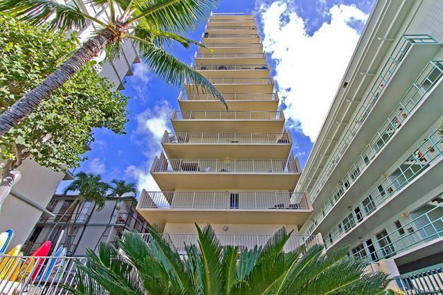 Photo of home for sale at 2947 Kalakaua Avenue, Honolulu HI