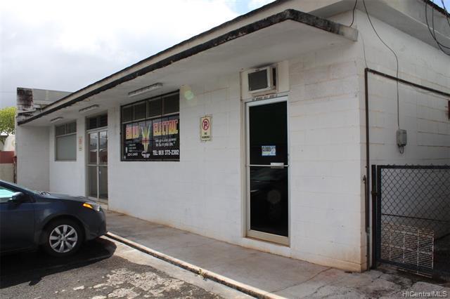 Photo of home for sale at 52 Mango Street, Wahiawa HI