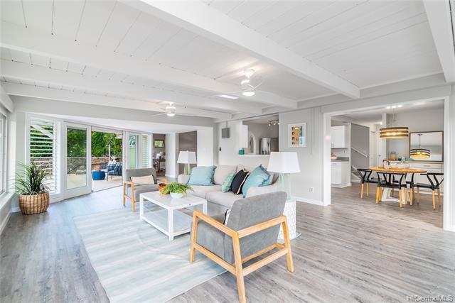 Photo of home for sale at 1373 Kupau Street, Kailua HI