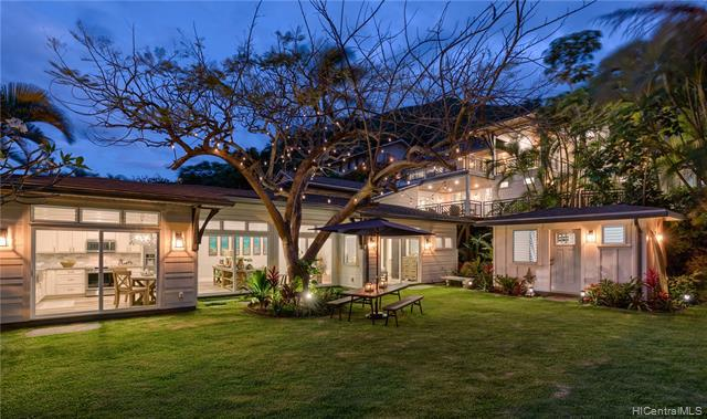 Photo of home for sale at 1543 Aalapapa Drive, Kailua HI