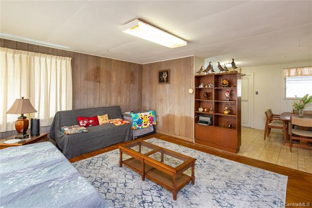Photo of home for sale at 45-429 Makalani Street, Kaneohe HI