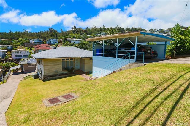 Photo of home for sale at 1583 Alewa Drive, Honolulu HI
